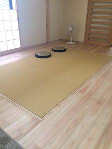 畳スペースのあるリビング