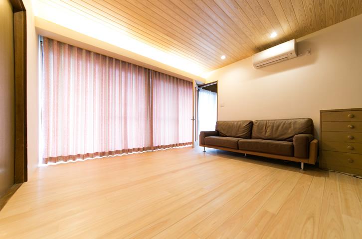 純白の天井板